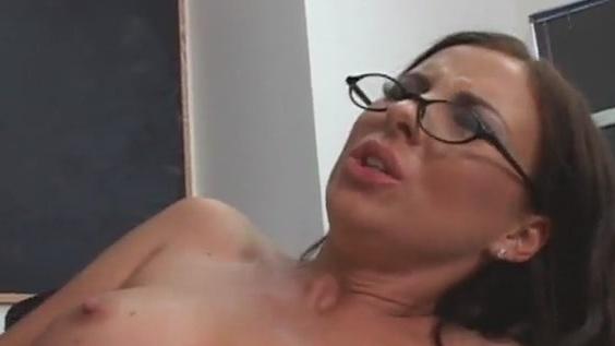 Videolar erotik Erotik: 79,179